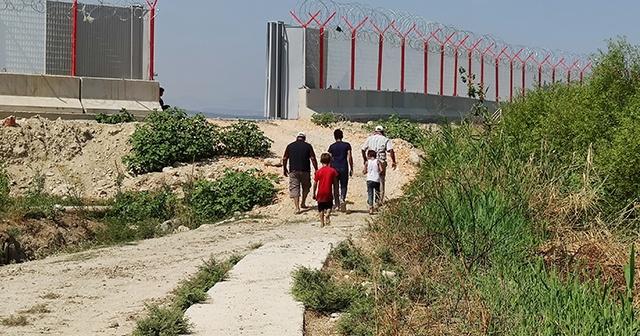Tarım arazilerini sınıra çekilen duvar böldü