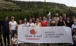 Slow Food Antakya Topluluğu'nun Ekim Ayı Etkinliği Nar Ekşisi Oldu