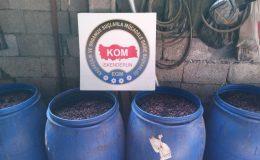 İskenderun'da 2 bin 390 litre el yapımı içki ele geçirildi