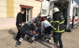 Çatıdan düşen işçiyi itfaiye kurtardı