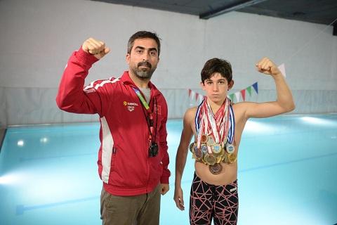 Yaşının üç katından fazla madalyaya sahip şampiyon yüzücüye, havuz kullandırılmıyor