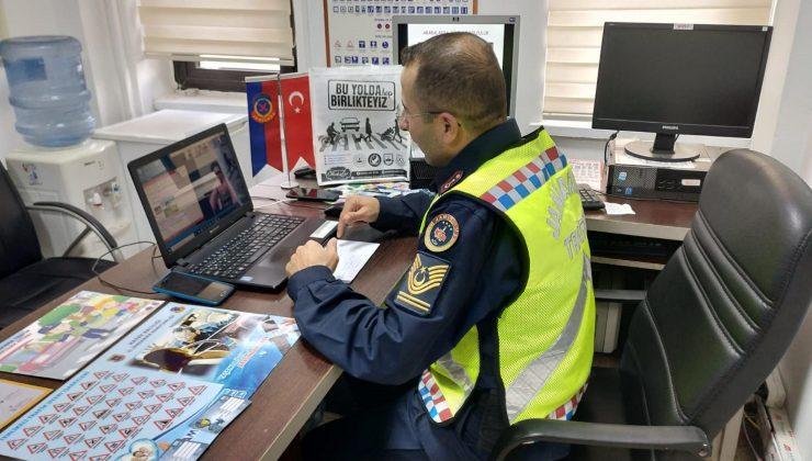 Dörtyol'da jandarmadan öğrencilere online trafik eğitimi