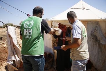 Suriye'de sivillere 153 milyon adet ekmek dağıtıldı