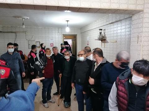 Hatay'da kıraathanede kumar oynayan 11 kişi suçüstü yakalandı
