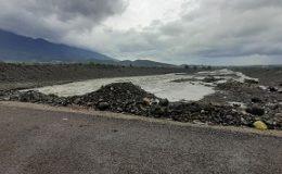 Şiddetli yağmur Hatay'da hayatı olumsuz etkiledi