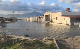 Hatay'da deniz taştı, iş yerleri ve caddeler sular altında kaldı
