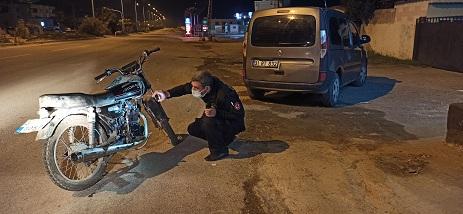 Reyhanlı'da kısıtlama denetimine takılan motosiklet çalıntı çıktı