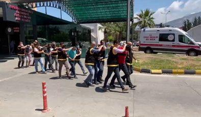 İskenderun'da hırsızlık şüphelisi 5 kişi yakalandı