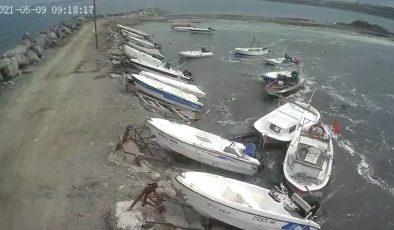 Hatay'da oluşan gel-git balıkçı teknelerini sürükledi