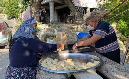 Kadınlar yapıyor, erkekler pişiriyor