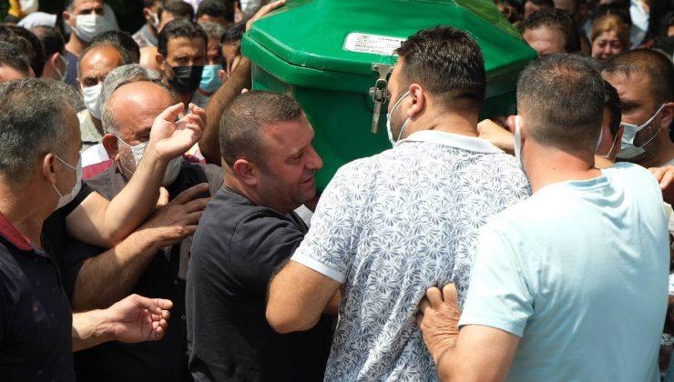 Kahreden kazanın kurbanı kardeşler yan yana toprağa verildi