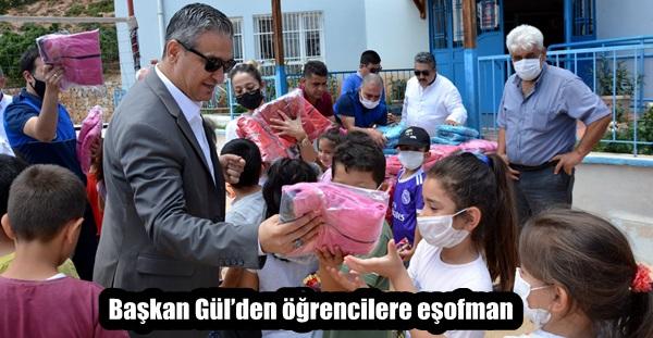 Başkan Gül'den öğrencilere eşofman
