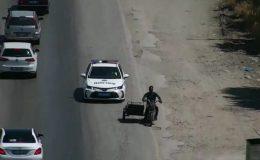 Drone ile tespit edilen plakasız motosiklet sürücüsü, kovalamaca sonucu yakalandı