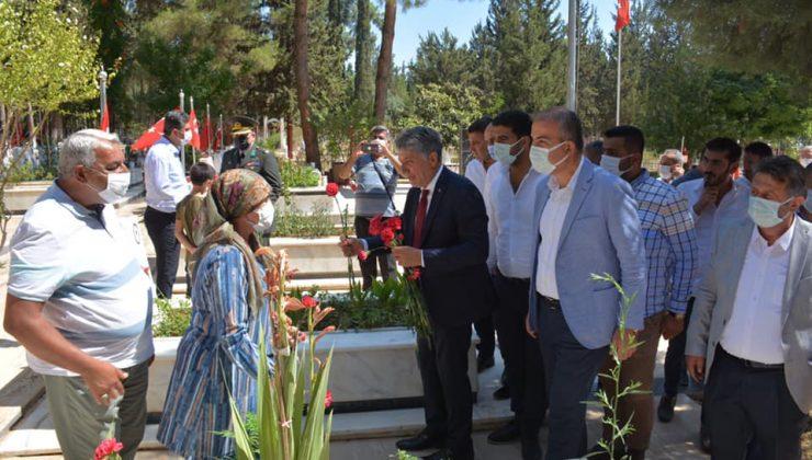 Kırıkhan'da şehitler dualarla yad edildi