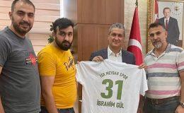 Başkan İbrahim Gül'e Meydanspor forması