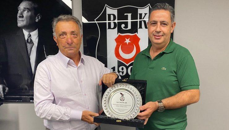 Başkan Yıldız'dan Başkan Çebi'ye plaket