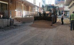 Samandağ'da yol yapım çalışmaları sürüyor