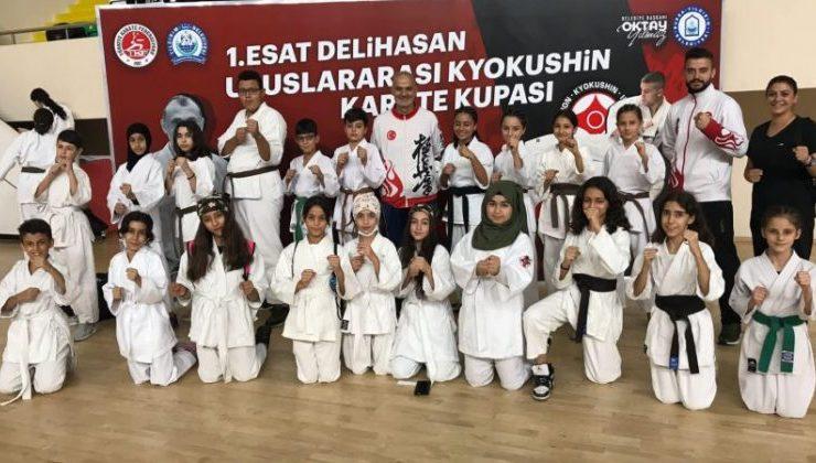 Bursa'daki şampiyonada Altınözülü şampiyon!